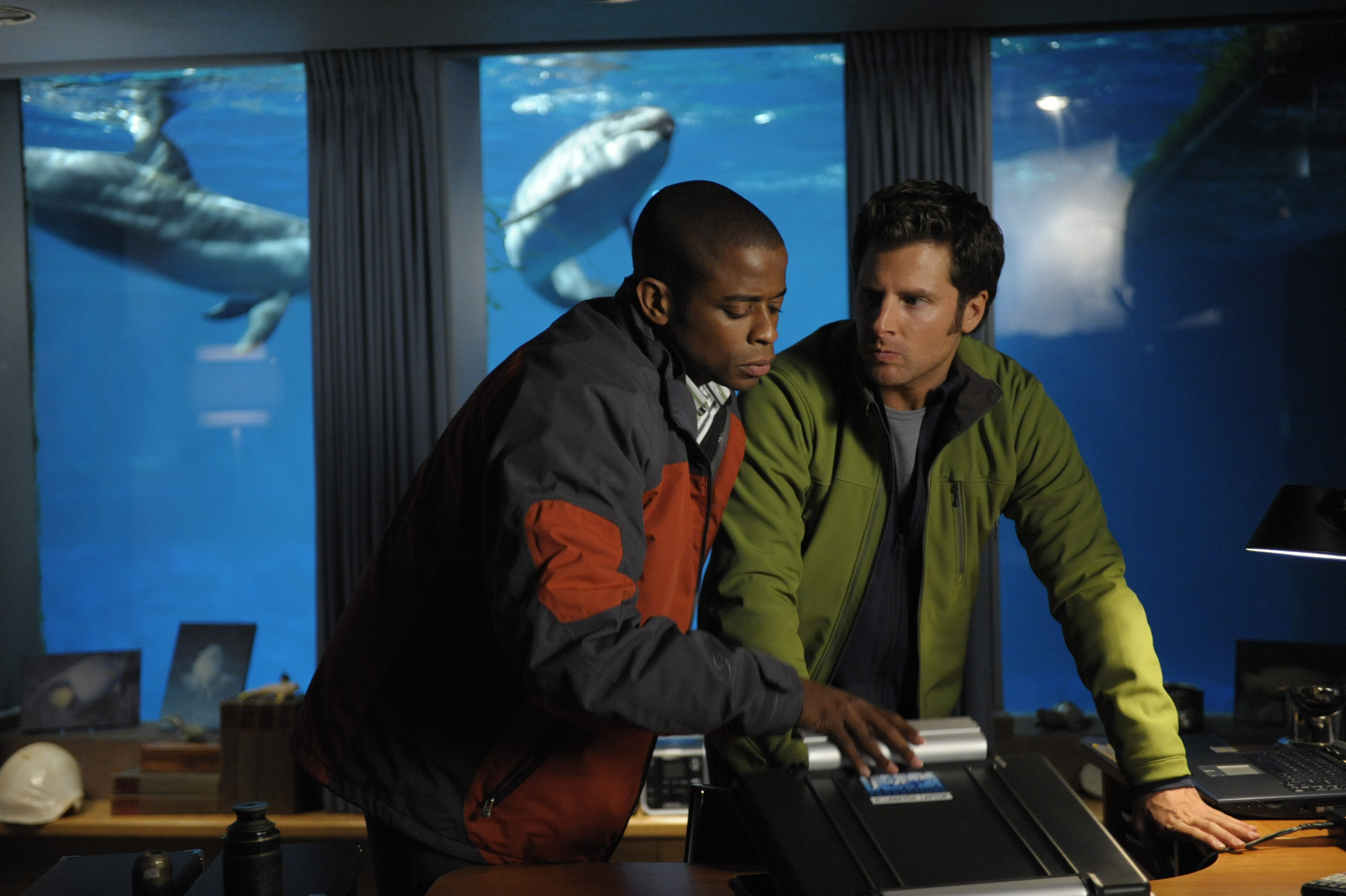 """PSYCH goes """"Six Feet Under the Sea"""" 